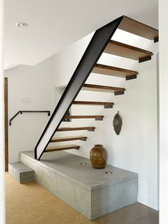 Cottage Stairs, House Stairs, Home Stairs Design, Interior Stairs, Interior Architecture, Concrete Stairs, Concrete Floors, Cottage Renovation, Floating Stairs