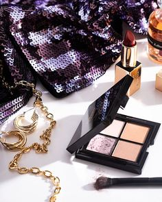 #andotherstories #party #makeup #glitter #gold #fashion #inspiration