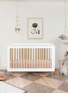 Lolly Crib by Babyletto in White/Natural source