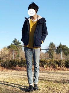 初めて黄色のニット買いました。 意外と何にでも合う。 カジュアルな格好なので革靴履きました コー