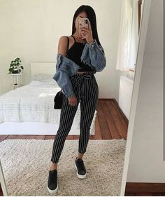 25 Cute Crop Tops For Any Body Type – Summer Outfits - Trendige Outfits Cute Casual Outfits, Crop Top Outfits, Mode Outfits, Cute Summer Outfits, Simple Outfits, Stylish Outfits, Spring Outfits, Girl Outfits, Casual Date Outfit Summer