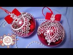 🎄Lace painting of christmas balls. We decorate the Christmas tree! Lace Christmas Tree, Christmas Tree Bulbs, Christmas Window Decorations, Christmas Cover, Christmas Ornaments To Make, Easy Christmas Crafts, Christmas Art, Hand Painted Ornaments, Vintage Ornaments