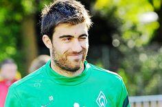 Los churros de La Champions League. El griego del Borussia dortmund, Sokratis Papastathopoulos.