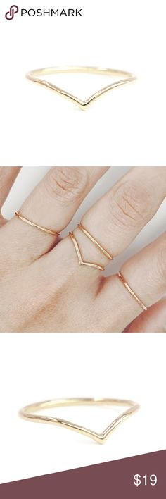 💥sale💥SALE Gold Chevron Ring A 14K yellow gold filled Chevron ring. Available in sizes 2-13 nejd Jewelry Rings