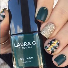 """Elegantly Badass👊🏼👑 Featuring the last shade from the BadGirl Glam collection, """"Jade""""💅🏼 topped with """"Mattitude"""" topcoat for a satin finish. ✨ I soooo need this color! Camo Nails, Fun Nails, Pretty Nails, Nailart, Manicure, Glittery Nails, Nails 2018, Nail Art Videos, Green Nails"""