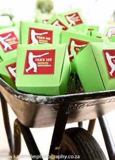 Super birthday cake for boys cricket 42 ideas Birthday Surprise Boyfriend, Birthday Gifts For Kids, Boy Birthday Parties, 11th Birthday, Birthday Nails, Themed Parties, Birthday Ideas, Cricket Birthday Cake, Cricket Theme Cake
