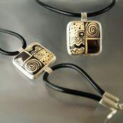 Na szyję i na rękę. www.gulbierz.pl #ceramika #jewellery #men