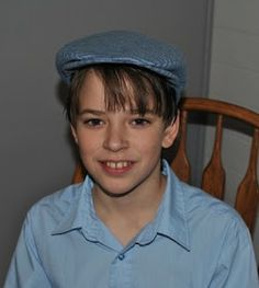 Do you remember the Driving Cap pattern I made for Travis a few weeks ago? I finished writing up the directions. Hat Patterns To Sew, Sewing Patterns, Baby Sling Wrap, Diy Fashion, Mens Fashion, Button Crafts, Diy For Kids, Crafts To Make, Rpg