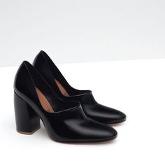 Image 3 of WIDE HEELED LEATHER SHOES from Zara