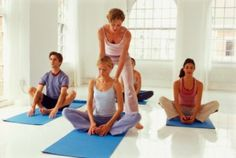 Teaching Yoga for Aerobic Benefits holds a challenging yoga posture - online yoga instructor training school - teaching yoga for aerobic benefits - traditional yoga schools - yoga instructors know Yoga Restaurador, Yoga Yin, Vinyasa Yoga, Yoga Instructor Certification, Become A Yoga Instructor, Health Education, Physical Education, Yoga Courses, Yoga Teacher Training Course