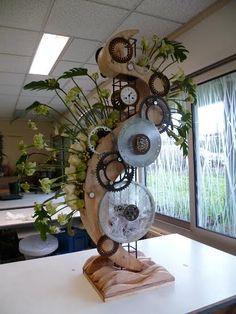 Modern Floral Arrangements, Flower Arrangements, Flower Vases, Flower Art, Flowers, Art Floral, Floral Design, Cardboard Art, Art Competitions