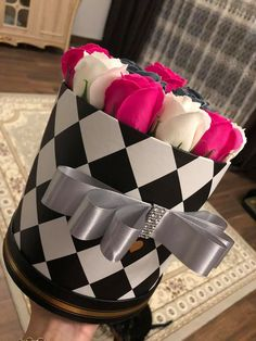 Flower Box Gift, Flower Boxes, Color Borgoña, Flower Arrangements, Valentines, Handmade, Gifts, Tropical Flower Arrangements, Decorating Rooms