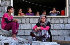 Iraqi Yazidis stranded on isolated mountaintop begin to die of thirst - The Washington Post