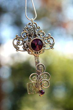"""the-clockmakers-daughter: """""""" I want one of these. *-* """" ༺ Cᴀɴ Yᴏᴜ Hᴀɴᴅʟᴇ ᴀ Tᴡɪsᴛᴇᴅ Fᴀɪʀʏ Tᴀʟᴇ? ༻ """""""
