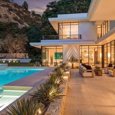 """TrillionaireGang on Instagram: """"$16,500,000. @pupsta_gram For more follow @trillionairegang. Picture/Video is not taken by us, all rights belong to their owners. DM for…"""" The Agency, House Goals, Luxury Real Estate, Beverly Hills, Mid Century, House Design, Mansions, The Originals, Architecture"""