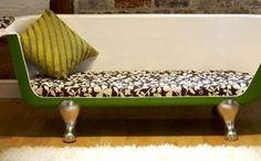 Sofá de banheira antiga reciclada