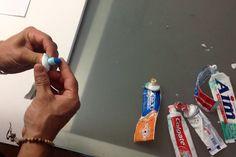 Ce que cet homme peut faire avec du dentifrice vous laissera sans mot!