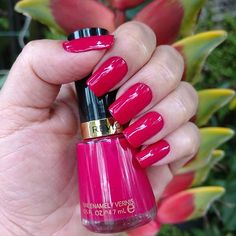 Revlon cherries in the Snow 270 #revlonoficial #revlon #revlonbrasil #nailart #nails #nailsecores #unhasdasemana #unhasdeprincesa #unhas #unhastop #unhalinda #esmalte #esmaltedodia #esmaltedasemana #esmaltadasdeplantao #esmaltadas #esmaltadasdodia #viciadaemvidrinhos #viciadas_nails #vidrinhosmagicos #vidrinhosecores #vernizdeunhas #garotasesmaltadas #amoesmaltes #terapiacolorida #unhasqueadmiro