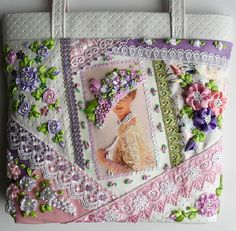 I ❤ crazy quilting & ribbon embroidery . . . stunning victorian lady purse. (translated) I immediately thought that there is not pomestila.Ya was thinking, because it's needlework and embroidery and patchwork theme at the same time. More. For inspiration.