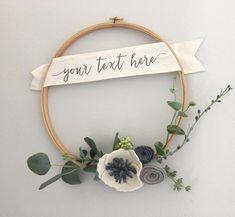 Personalized Holiday Wreath // Modern Felt Flower Wreath // Embroidery Hoop Wreath by G & Tea Personalized Modern Felt Flower Wreath // Modern от GandTeaLove Felt Flower Wreaths, Felt Flowers, Paper Flowers, Felt Wreath, Wood Wreath, Greenery Wreath, Embroidery Hoop Crafts, Embroidery Art, Flower Embroidery