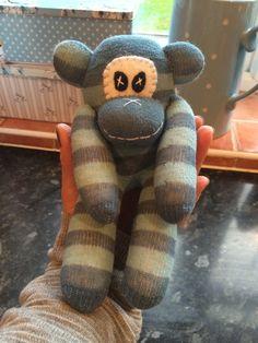 Mini memory monkey Sock Monkeys, Slippers, Socks, Memories, Crafty, Mini, Fashion, Memoirs, Moda