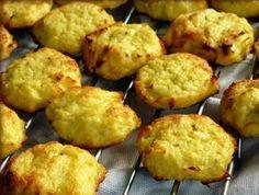 Hihetetlen, hogy a karfiol hány és hányféleképpen használható fel! Falafel, Baked Potato, Cake Recipes, Muffin, Potatoes, Vegan, Baking, Breakfast, Ethnic Recipes