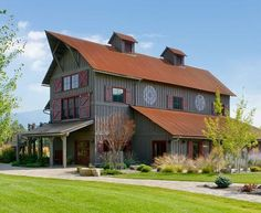 Cottage Life-- Mobile -- 15 beautiful barn-inspired homes