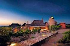 Leobo Private Reserve features a luxury villa located in a nature reserve in the Limpopo Province in northern South Africa. The impressive villa is able to accommodate up to 26 guests, providing an opportunity to enjoy the beauty of wildlife in compl Design Hotel, Villa Design, House Design, Architecture Design, Vernacular Architecture, Amazing Architecture, Provinces Of South Africa, Dame Nature, Nature Sauvage