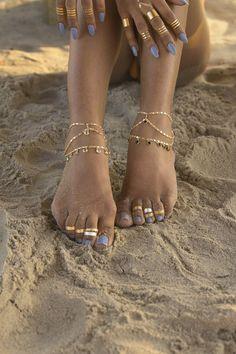 Best 7 Princess Foot Chain – VidaKush – Page 545146729893425731 Ankle Jewelry, Body Chain Jewelry, Ankle Bracelets, Cute Jewelry, Hand Jewelry, Jewellery, Beautiful Toes, Pretty Toes, Jóias Body Chains