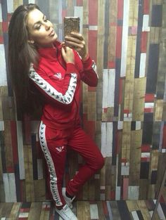 da4078d4e5410f10d12ad84ae8aa76b4--red-tracksuit-track-suits.jpg