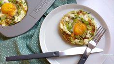 Geef het makkelijke courgette ei nestje vooral lekker je eigen wending met diverse kruiden, maak het pittiger of milder net wat je zelf prefereert. Smullen!