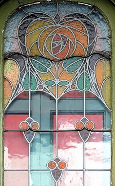 Arts and Crafts Stained Glass Door, Casa Vicenç Bofill (1906) Barcelona, Spain by architect Josep Pérez i Terraza