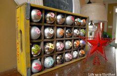adventskalender ideen holzkiste cola baumkugeln