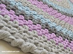 A crochet rug made from T-Shirt yarn-Trapillo