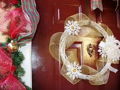 How To: Gold and White Snowflake Wreath - A Sparkly Life for Me