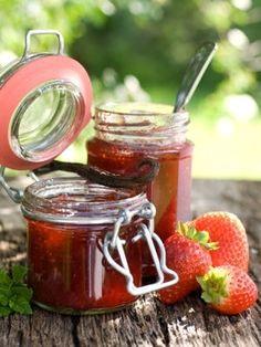 De la confiture de fraises pour attirer les guêpes et frelons : Ces astuces et…