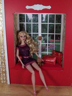 Doll Divas - Diorama Portfolio  window seat tutorial
