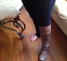 How to Tuck Jeans Into Boots in 4 Easy Steps (PHOTOS) | The Stir