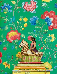 Belisama | Floral wallpaper | Wallpaper patterns | Wallpaper from the 70s