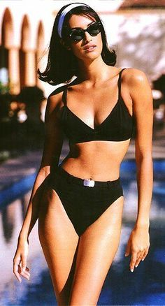 Yasmeen Ghauri- kinda day The Supermodels Swimsuits Bikini Day Ghauri kind kinda Supermodels Yasmeen Look Fashion, 90s Fashion, Vintage Fashion, Fashion Outfits, Hollywood Fashion, Hollywood Actresses, Plus Size Swim Shirt, Plus Size Bade, Style Année 90