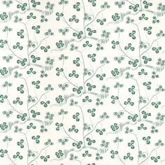 Wallpaper Klöverblad | Svenskt Tenn: In the Cloverleaf pattern, green clover meanders over a white background. Designed by Josef Frank in the 1940s; it has never before been in production. The wallpapers are since 2012 printed according to the old tradition of distemper printing. Printing in distemper brings the wallpaper patterns to life in a technique that comes as close to Josef Frank's original patterns and colours as possible.*