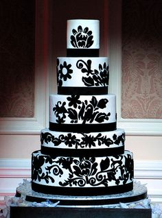 Cute black and white cake Indian Wedding Cakes, White Wedding Cakes, Damask Wedding, Indian Weddings, Black White Cakes, Black And White Wedding Theme, Wedding Cake Cookies, Unique Cakes, Gorgeous Cakes
