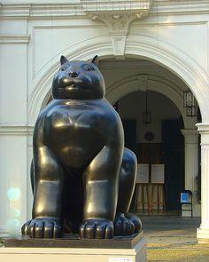 Fernando Botero's Cat, The Art Museum, Singapore