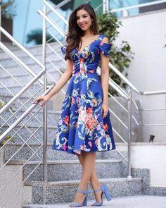 New Ideas For Moda Evangelica 2019 Jovem Lovely Dresses, Mode Style, Fashion Photo, Stylish Outfits, Designer Dresses, Fashion Dresses, Floral Dress Outfits, Dress Up, Short Sleeve Dresses