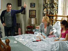 1000 images about obsessed with dunphy family 39 s decor on for Modern family dunphy house decor
