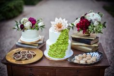 Dessert Tablescape | Red & gold, vintage themed wedding  |  The Frosted Petticoat