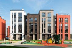 На окраине Ивантеевки завершается строительство малоэтажного жилого комплекса, бюджетного, но симпатичного, тщательно проработанного архитекторами и реализованного практически точь-в-точь так, как хотелось авторам.