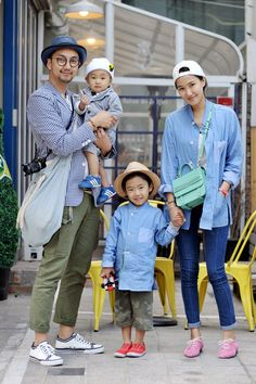 Fashionable family in Seoul Couple Style, Mom Style, Asian Street Style, Asian Style, Fashion Couple, Kids Fashion, Men Fashion, Korea Fashion, Seoul Fashion