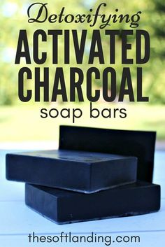 This DIY activated charcoal soap recipe removes toxins from the surface of the skin, provides gentle exfoliation & is safe enough to be used on the face #activatedcharcoal #homemadesoap #DIY