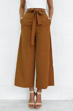 New spring brown black loose casual ankle-length pants england style Sneakers Outfit Work, Casual Sneakers, Moda Afro, Fashion Pants, Fashion Outfits, Dress Fashion, Fashion Trends, Mode Pop, Vetement Fashion